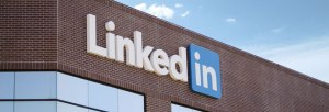 LlinkedIn-logo-on-the-LinkedIn-building-for-LinkedIn-online-digital marketing training-course-at-EzyLearn